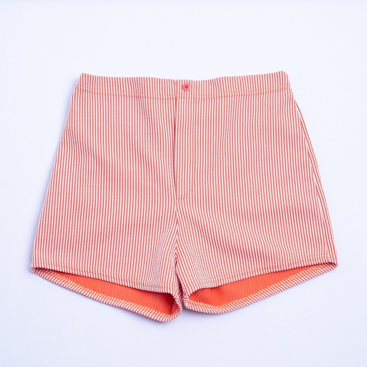 0b3f4d8071 super cute vintage 1960s/70s Gantner of California swim shorts! These  shorts can be worn as swim shorts or regular shorts! There's no zipper in  the ...