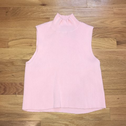 37ff106b11225 beautiful cropped light pink turtle neck tank top in perfect - Depop