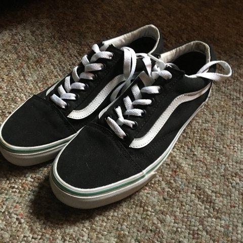 Black and white Old school Vans! New b0ba8a08b