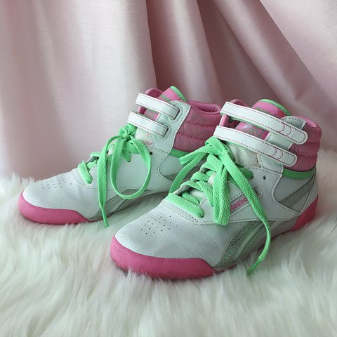 95fc6966a149  luvkid. 8 months ago. United States. 🌷Reebok Classic Sneakers🌷