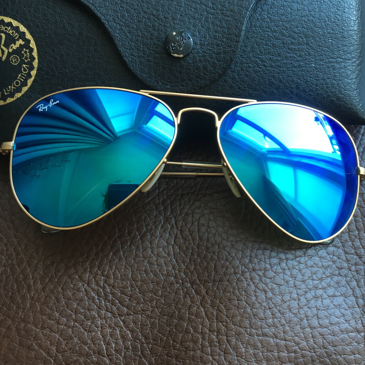 1d29290e92 Ray ban aviators blue mirrored 56 mm lens some on arm 100% - Depop