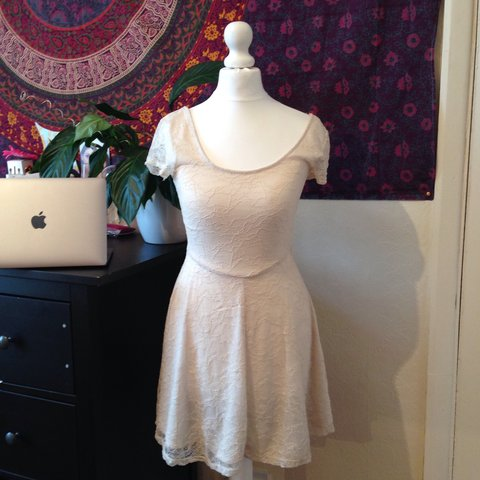 c360fc08a7d Size 8 cream white lace dress from h m good condition could - Depop