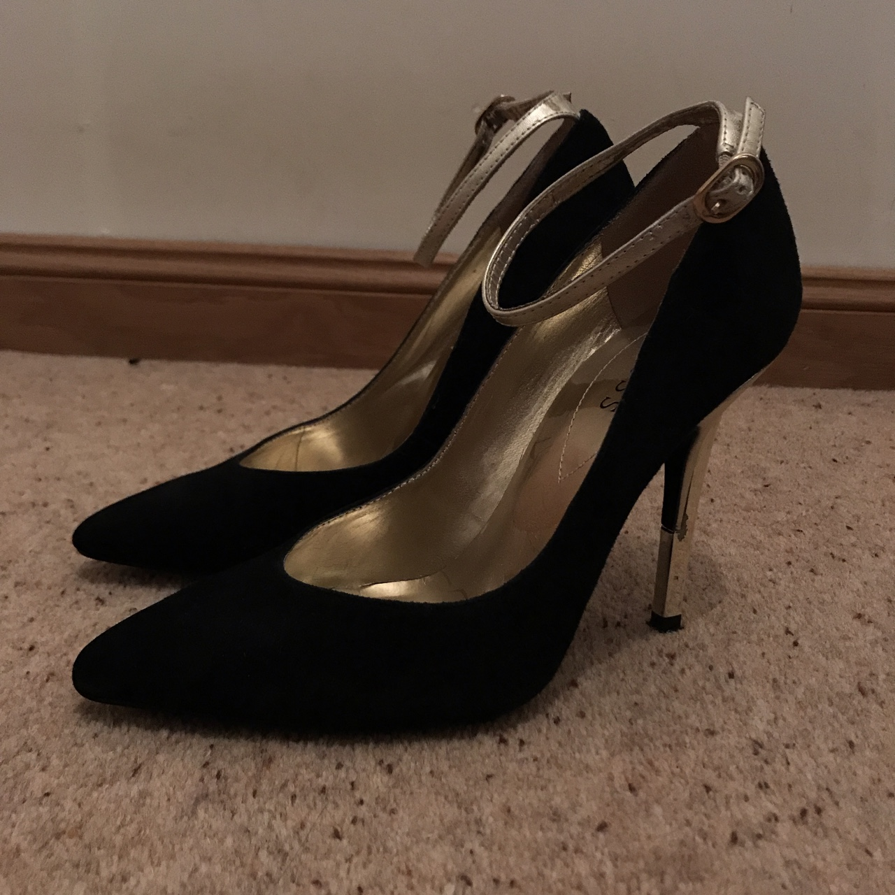 Guess Size 5 Black Suede Heels with