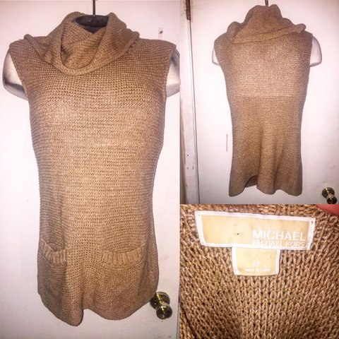 3e2dff7fa19b0 Michael Kors knit tunic Size small but will fit Cowl neck - Depop