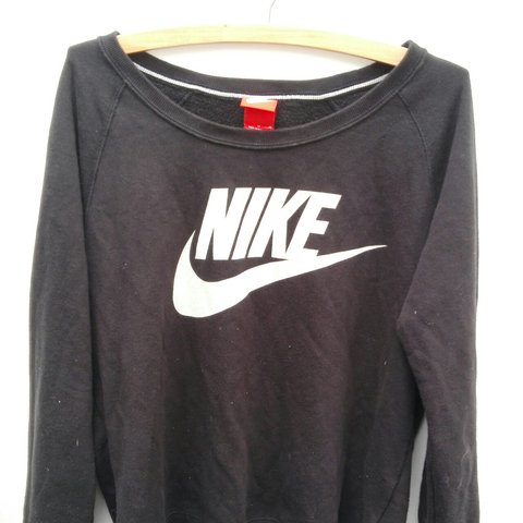 818345785605a Nike  sweatshirt  jumper  sport Very good condition rtp - Depop
