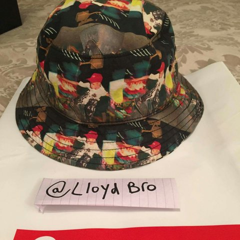 2602f868617 Supreme x CDG reversible bucket hat Size M L 9 10 to out my - Depop