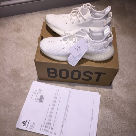 7e3bded8604 DS yeezy 350 v2 cream white Size uk7 - Depop