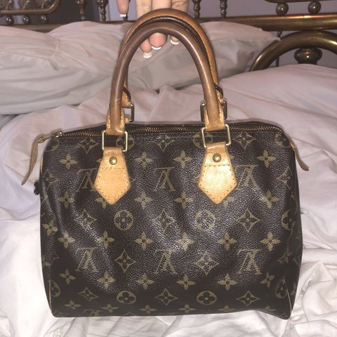 675582f5c9f @joydorai. 11 months ago. Houston, United States. Previously loved  authentic Louis Vuitton speedy monogram ...