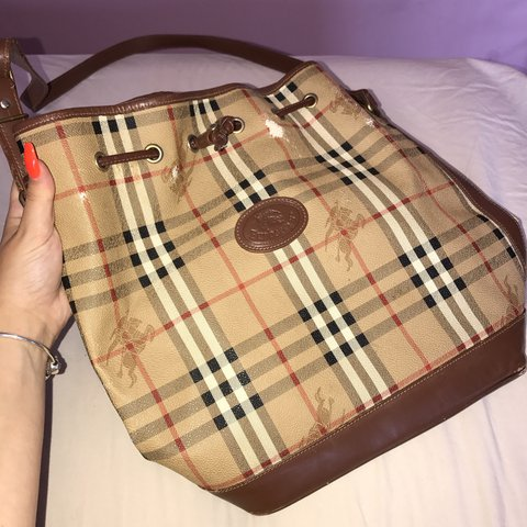 c570a9757f86 Authentic vintage Burberry bucket bag perfect for traveling - Depop