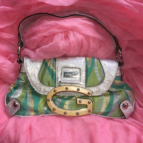 Vintage one of a kind GUESS small handbag! Amazing e3172a4afcdd4