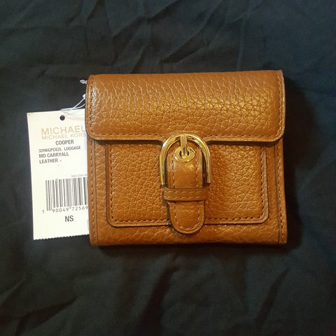 7bc53d3dae54 100% Authentic Michael Kors Cooper Carryall Wallet Brown New - Depop
