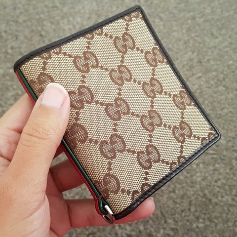 0c6126d1632 Gucci unisex vintage wallet. 100% genuine. Over a decade old - Depop