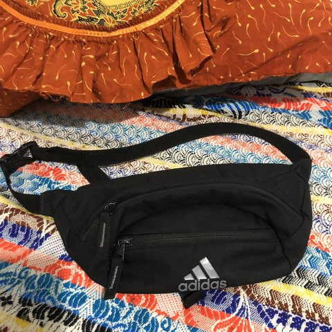 d758907480 @hoodbabyla. 3 months ago. Los Angeles, United States. Vintage Adidas Black  Fanny Pack Great Condition ...