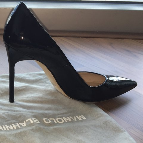 f72b4070cee8c @sug4rpuss. 2 years ago. Miami, United States. Manolo Blahnik Patent BB  Pumps, black patent leather ...