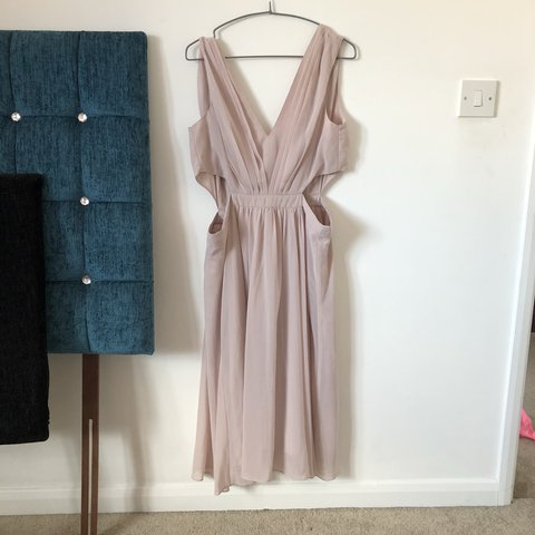 a772b5f4030f @kayestewart. 11 months ago. Redditch, United Kingdom. Asos size 14 dress.  Never worn. Blush pink. Wedding guest.