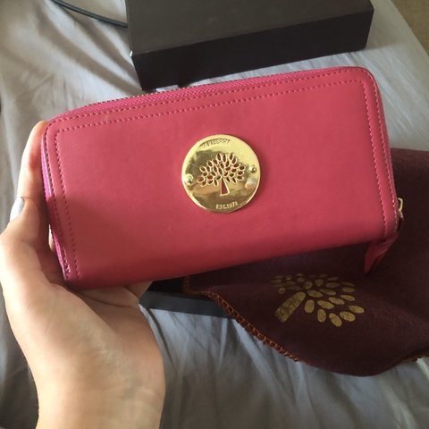 b28d4324f0 @bethannywatson. 2 days ago. Newcastle Upon Tyne, United Kingdom. GENUINE  DESIGNER PINK MULBERRY PURSE ...