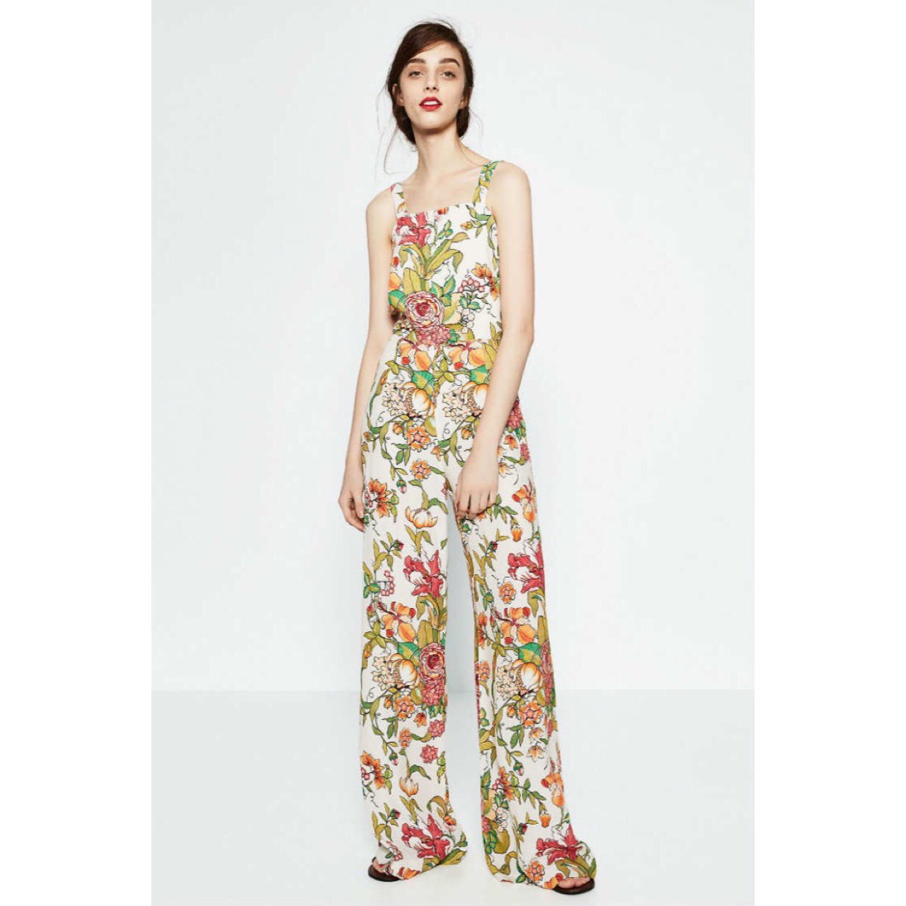 0df398485218 Zara floral jumpsuit - size small - worn once ✨ - Depop
