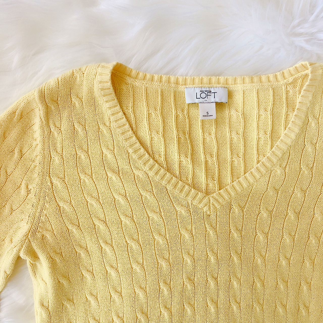 Ann Taylor LOFT Yellow V-neck Cable Knit Sweater ♡