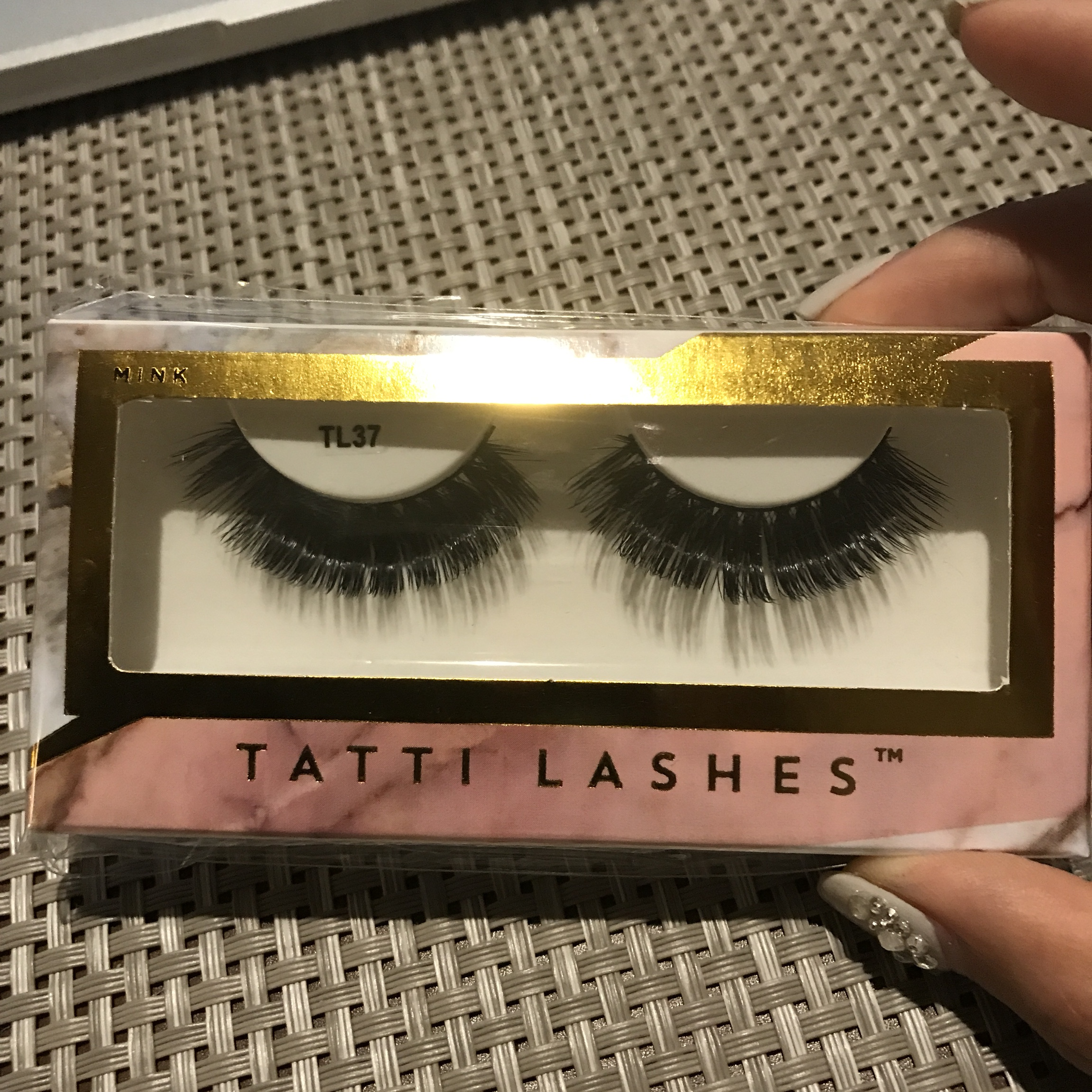 Genuine #tatti lashes TL37  It comes with a glue at    - Depop