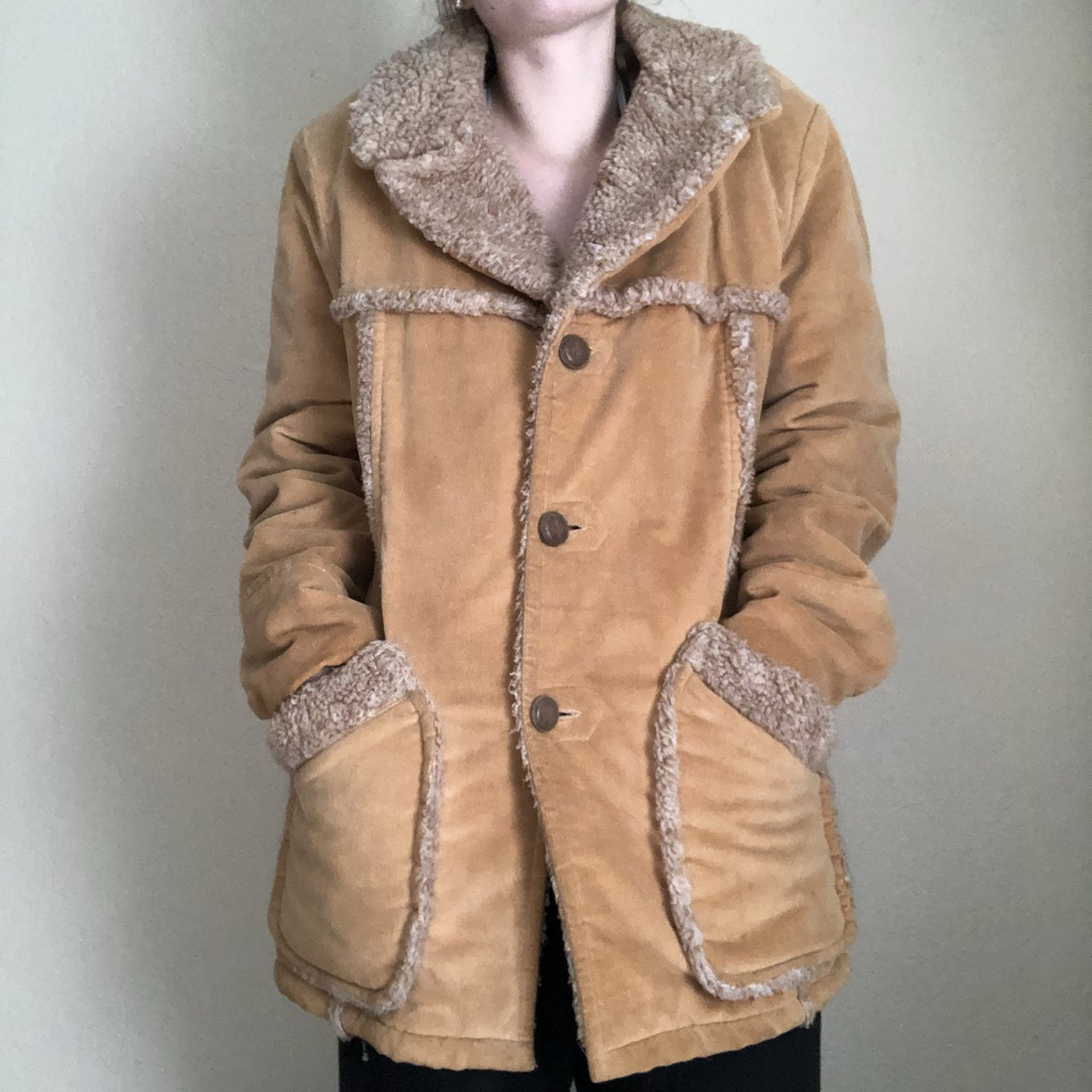 3eed8a2ff01 VINTAGE TAN FAUX FUR COAT