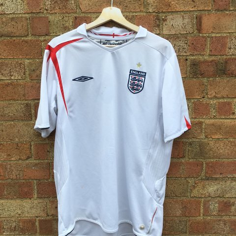 ae5801723 Retro Vintage Umbro England football shirt top Size - few - Depop