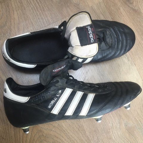 fc472e6b1 Adidas World Cup football boots. Selling changing to moulds. - Depop