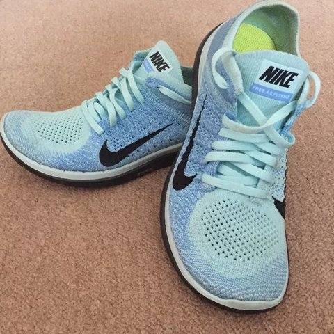 4ae562f46b0d Nike free 4.0 flyknit trainers - size 4 - Hardly worn!! Nike - Depop