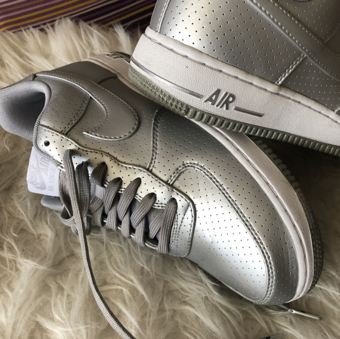 Nike Air Force 1 argentato