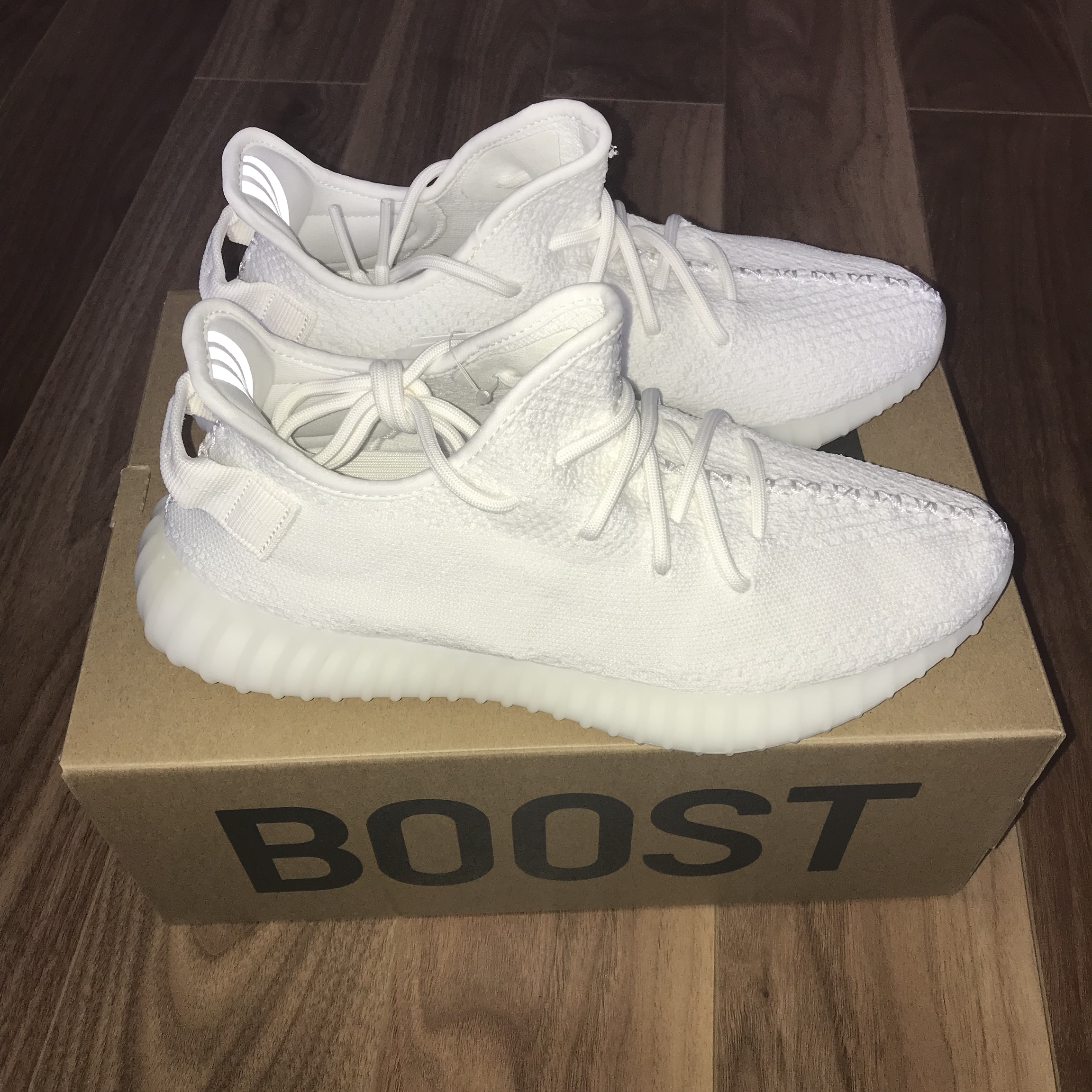 finest selection 9ec34 dc405 Yeezy Boost 350 V2 Triple White Size 9 US Small... - Depop