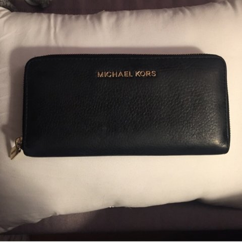 c77009f0ab1e @darcyeidle. 3 years ago. Massachusetts, USA. Michael Kors Wallet! Black  with gold ...