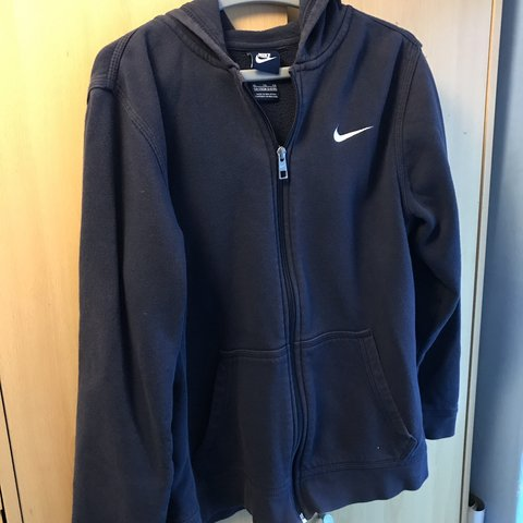 b0e9deea @benhughes_15. 5 months ago. Bolton, United Kingdom. Nike Jacket / hoodie  zip up. Size XL junior 13-15 would fit XS Mens