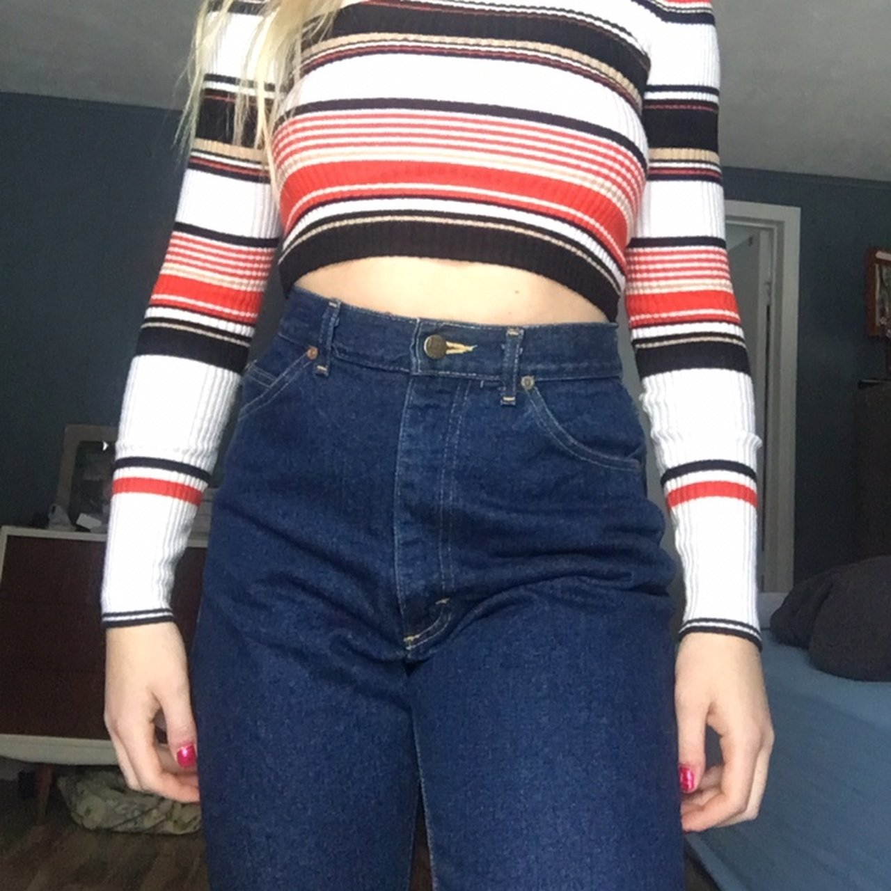 038ed513eb49 @localgirlprodigy. 2 months ago. United States. Calling my tall girls :)  Vintage lee dark wash high waisted jeans. Perfect condition.