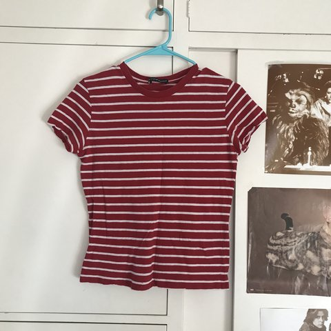 4282a00b73c87 brandy melville red and white striped tee!! only worn 2 or 3 - Depop