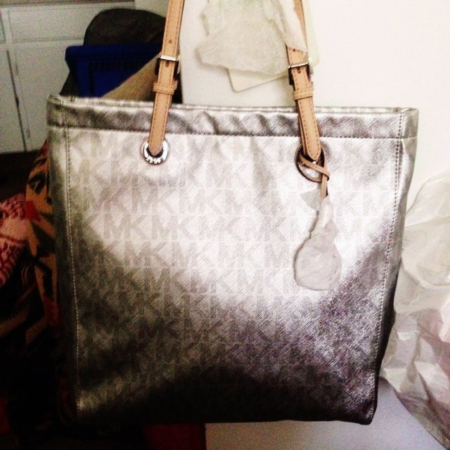 b0bbc3b46ab9 new Michael Kors Jet Set Silver MK Signature Metallic NS top - Depop