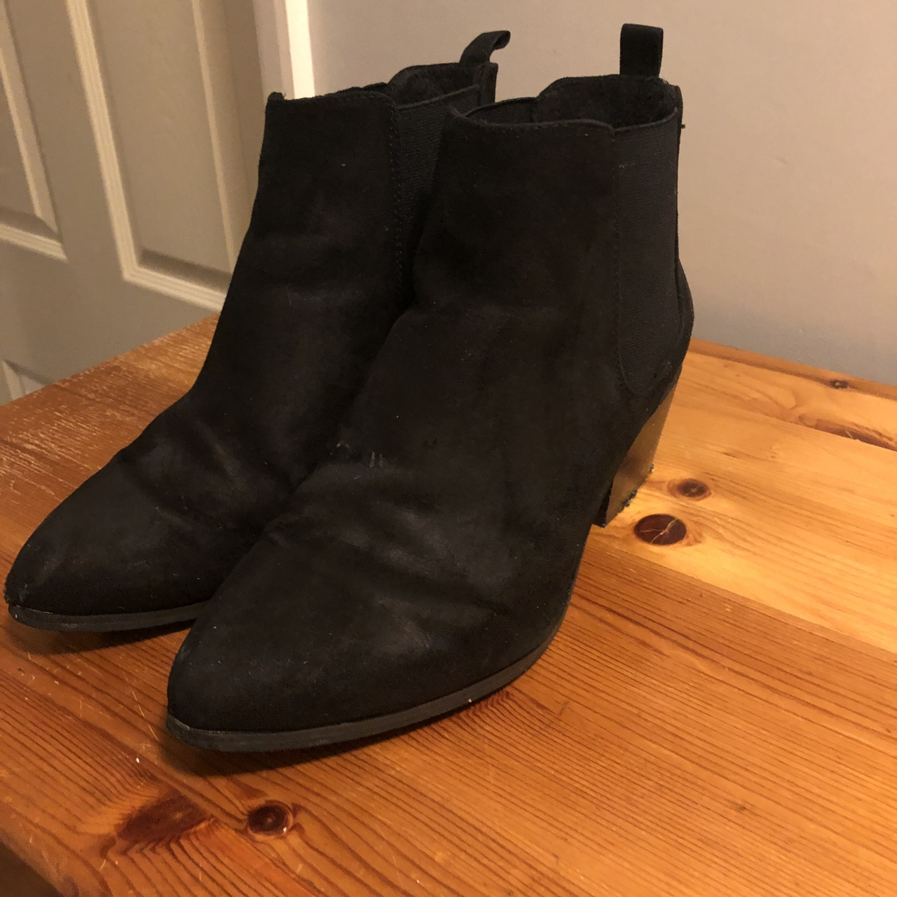036cd522583 ASOS REVIVE Chelsea Ankle Boots with pointed toe and... - Depop