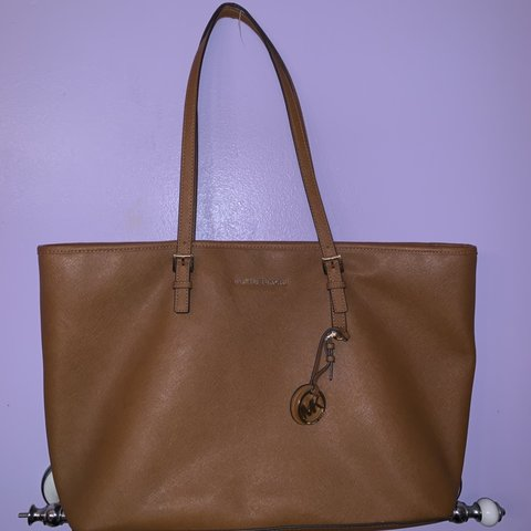0bb29fb989b2 @chrismorrrison. 4 months ago. Melbourne, United States. Michael Kors Large  tote bag.