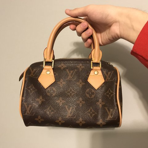 89cc42aea9713 Louis Vuitton mini speedy bag 💖 ok so first off this bag a - Depop