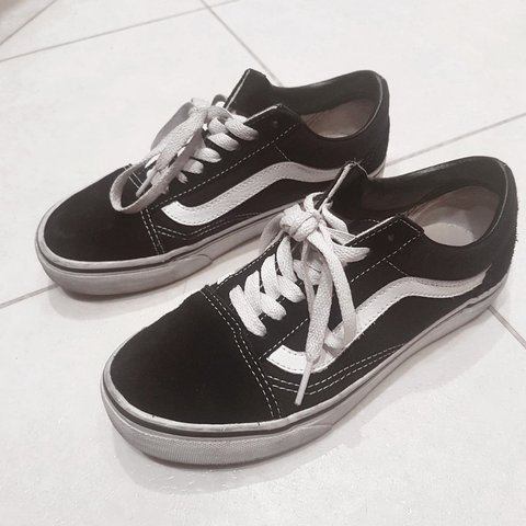 🦄Old skool vans • black and white vans • black vans 3 • • • - Depop 48bb1c97c