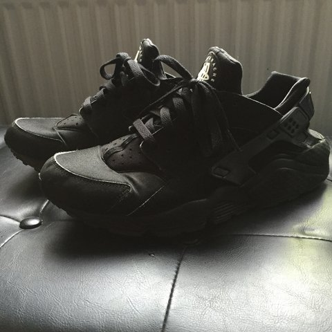 e8984480976f Triple Black Huaraches - never wear anymore so selling. to - - Depop