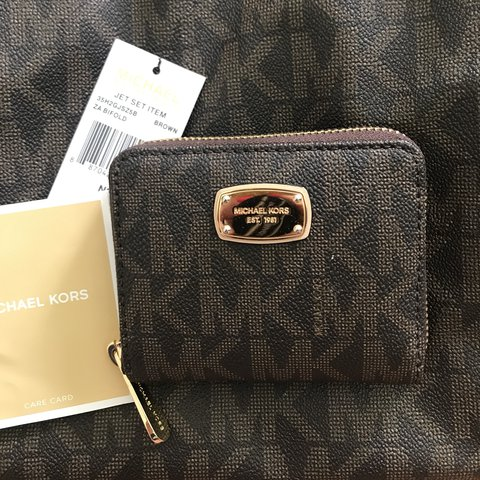 4e43ae3b7612 MICHAEL KORS jetset wallet! Brand new with tags and care  mk - Depop