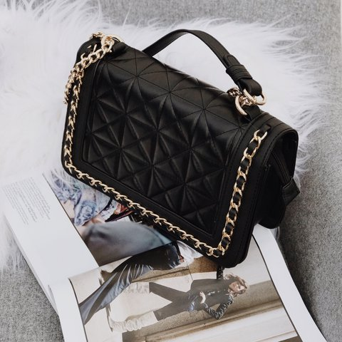 fa8ec4c8f80 BRAND NEW gold hardware quilted faux leather bag From Lavish - Depop
