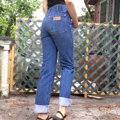00831094 PRICE DROP Beautiful Vintage Wrangler jeans! These boot cut - Depop