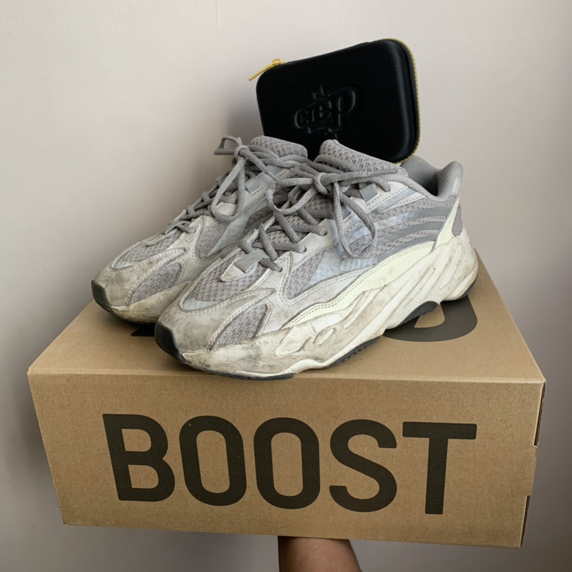 buy online 6641c 2920e YEEZY 700 V2 Static w/ crep protect cleaning kit... - Depop