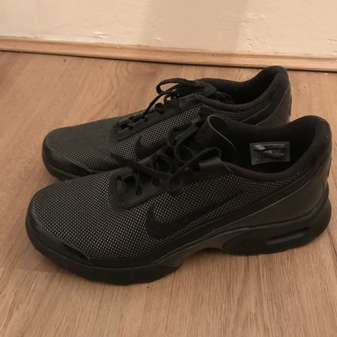 7c0542e4f0 @zoemallett. last year. London, UK. Nike Airmax Jewell Trainers Size 7.  Black