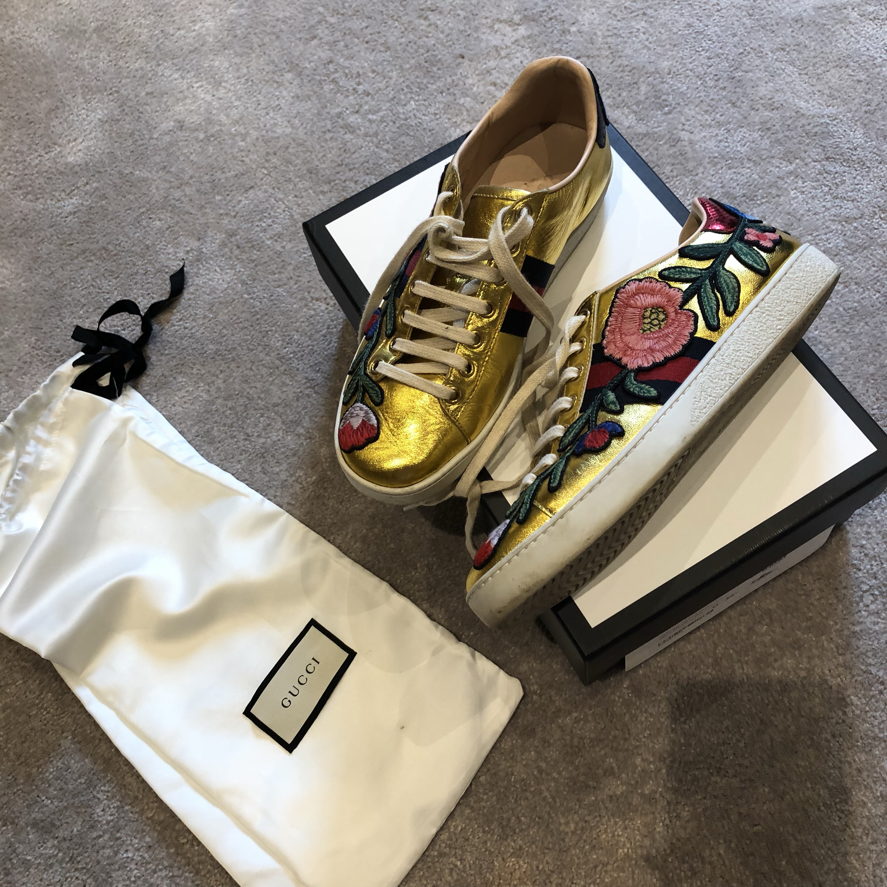 Gucci gold flower trainers Size 36.5