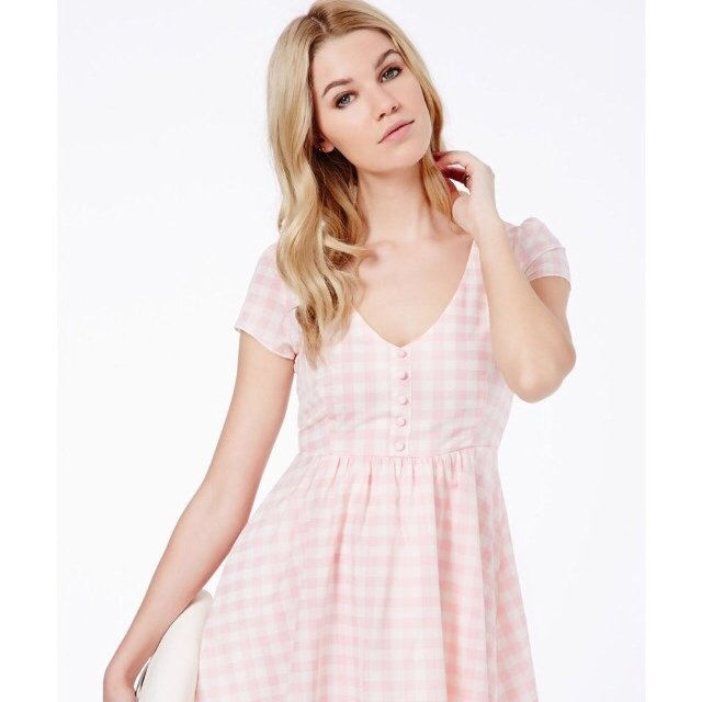 9ad03dbb19d Brand new with tags missguided pink gingham dress. Size 8 - Depop
