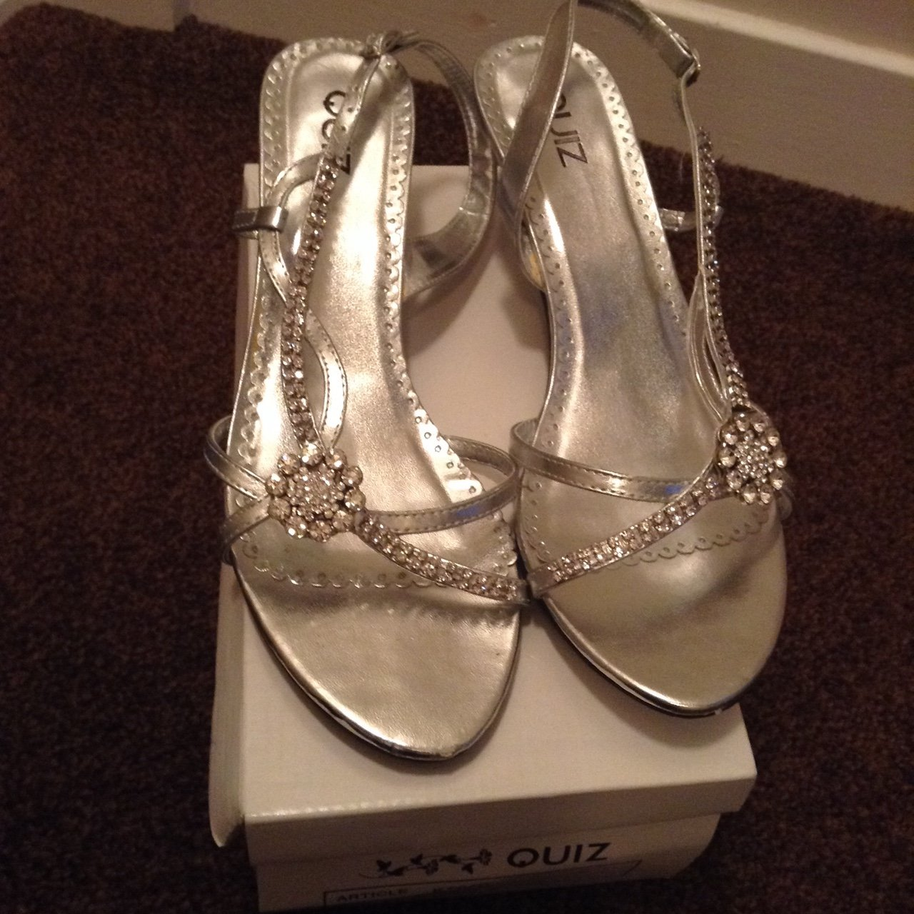 3f26588d6ce2 Quiz silver kitten sandal heels in size 7. Worn once however - Depop