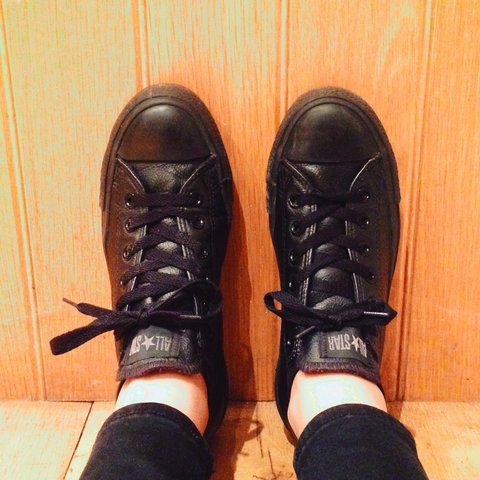 de6e3837e15 Black leather Converse size 6 UK. Fab pair of shoes. Real a - Depop