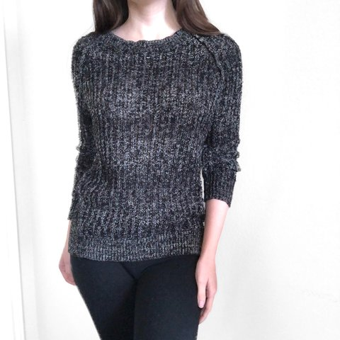 43513bae83422 Free People knit pullover sweater. Black