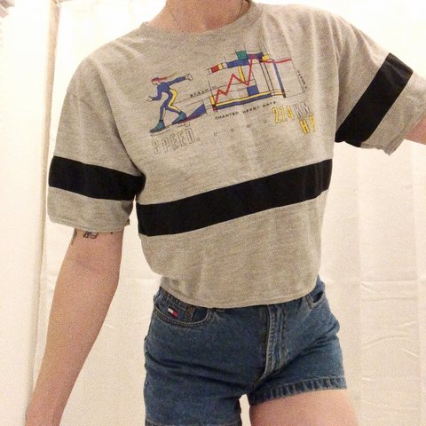 97e8eb5ce7b @scariest_bug_ever. last month. Baltimore, United States. vintage crop  tee.. not really sure what's going ...